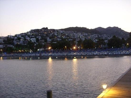 Petunya Beach Resort: vista dal molo