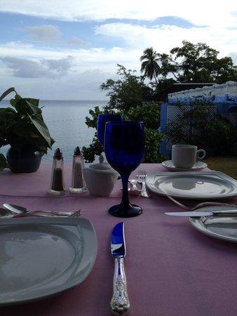 Jamaica Inn: Breafast on the ocean