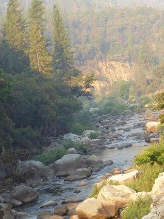 Yosemite View Lodge: Vue depuis la terrase de la chambre