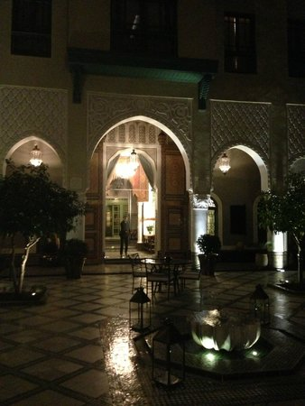 Palais Faraj Suites & Spa: Patio