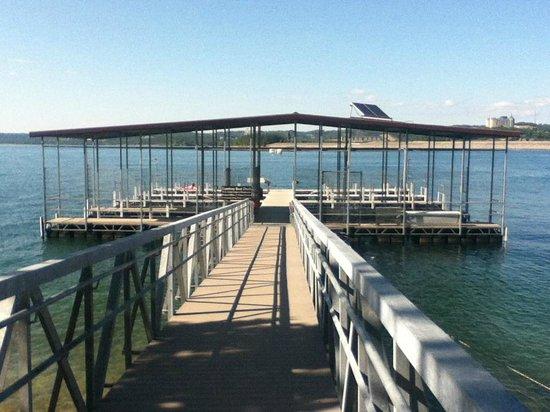 Table Rock Lake: Courtesy dock near Dewey Short visitor's center