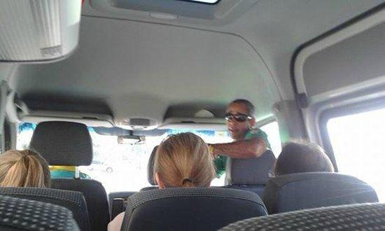 Rio Maximo: Igor o guia,conversando com turistas espanhós.