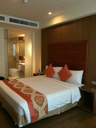 On8 Sukhumvit Nana By Compass Hospitality: good size room