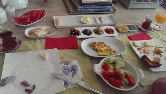Otel MaSaLa: özlem hanımın kahvaltısı :)