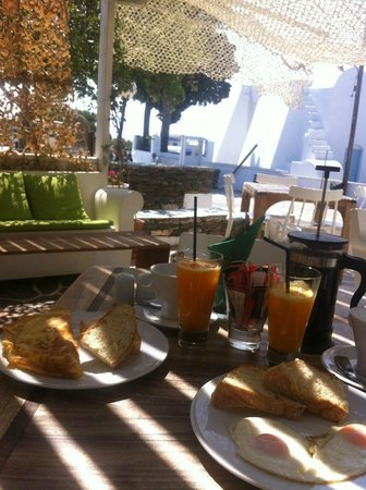 Smaragdi Hotel : morning in paradise
