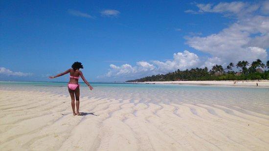 Neptune Pwani Beach Resort & Spa: plage superbe devant l'hôtel