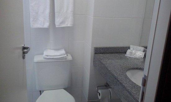 Master Express Moinhos de Vento: Banheiro