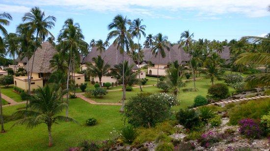 Neptune Pwani Beach Resort & Spa: chambres près de la mer vues des chambres en hauteur