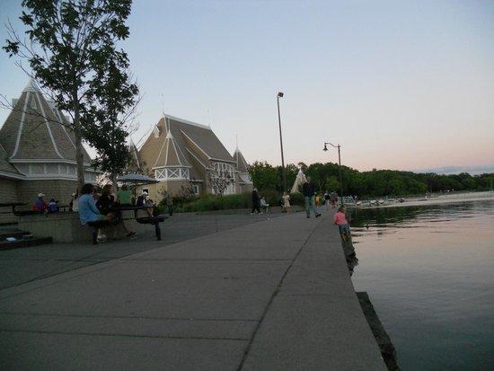 Lake Harriet: Stunning night at the lake
