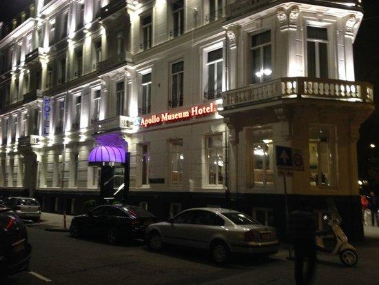 Apollo Museumhotel Amsterdam City Centre: fachada à noite