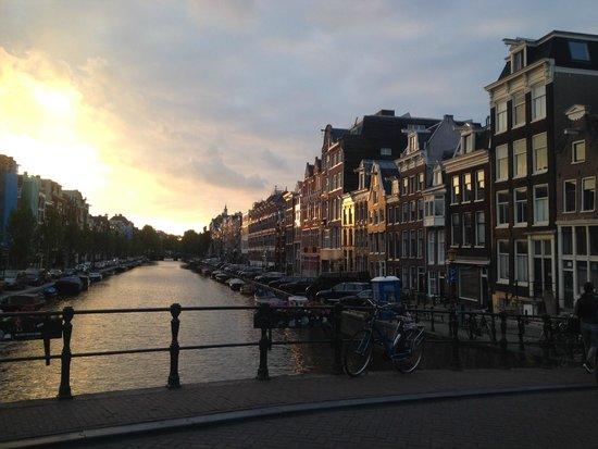 BEST WESTERN Apollo Museumhotel Amsterdam City Centre: pôr do sol nos canais