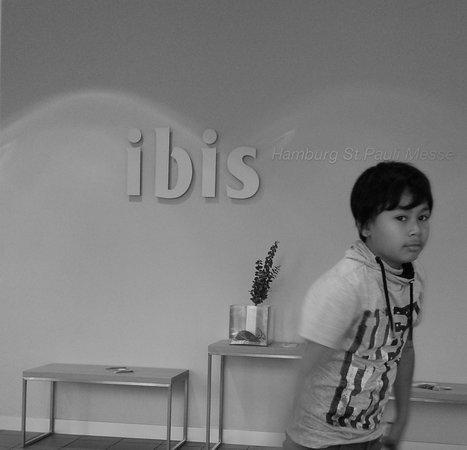 Ibis Hamburg St Pauli Messe: Ibis Hotel Lobby