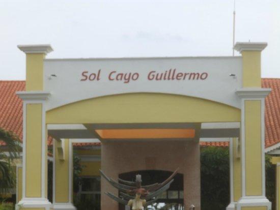 Sol Cayo Guillermo: Entrada al Hotel