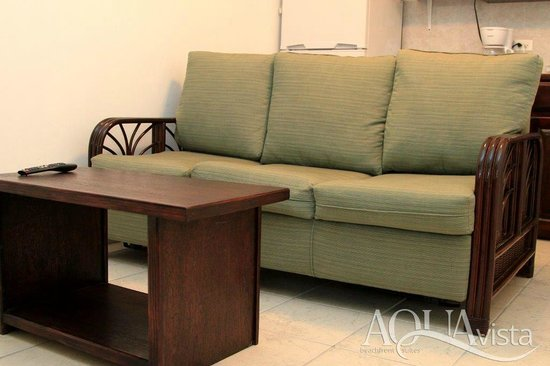 Aqua Vista Beachfront Suites: Double Sleeper Sofa