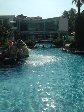 Panoramic Hotel Plaza: scorcio della piscina
