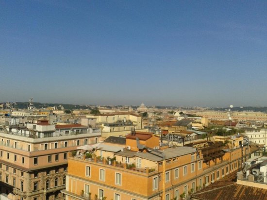 Bettoja Hotel Mediterraneo: View from the roof terrace restaurant