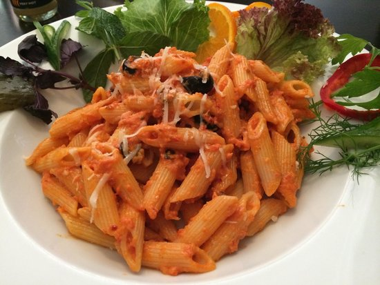 Cafe In: Great pasta! The food here is so good I thought they were Italian! Great for us especially since