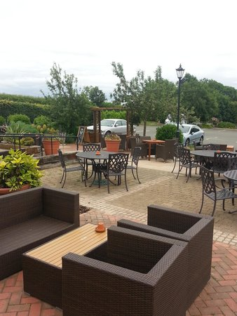 The Stag at Redhill: Garden