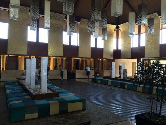 Courtyard by Marriott Bali Nusa Dua Resort : Lobby