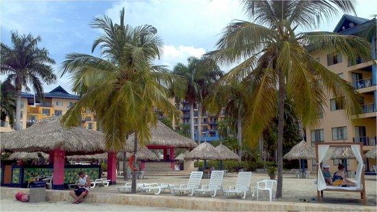 Zuana Beach Resort: Kioscos