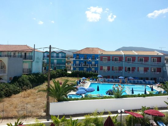 California Beach Hotel: Balcony view