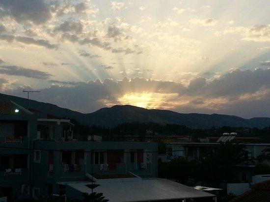 California Beach Hotel: View of sunset from my balcony
