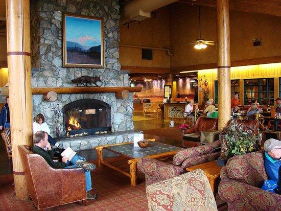 Mt. McKinley Princess Wilderness Lodge: McKinley Lodge foyer