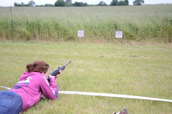 Experience The Country: Air rifle shooting