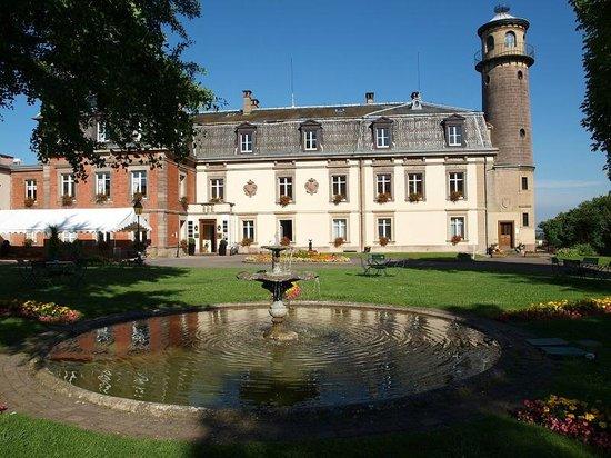 Chateau d'Isenbourg : Front of Chateau