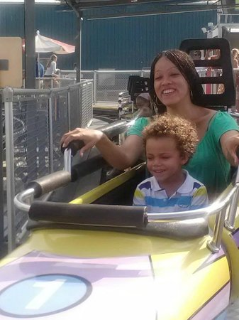 Morey's Piers and Beachfront Water Parks: Hold on Auntie!