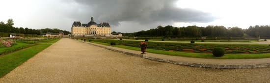 Château de Vaux-le-Vicomte : Well worth a visit, even on a rainy day.