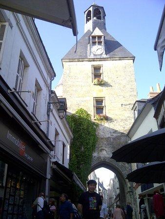 Château d'Amboise : the aisle near shops