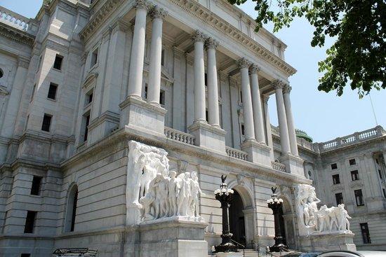 Pennsylvania State Capitol : façade du Capitole de Pennsylvanie