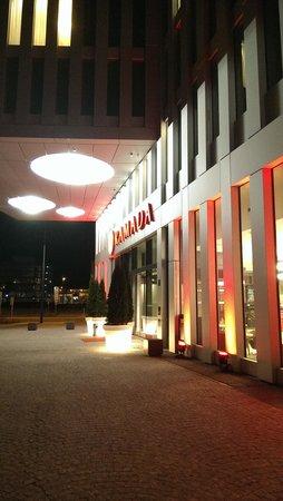 H2 Hotel Muenchen Messe : der Haupteingang des H2 Hotels