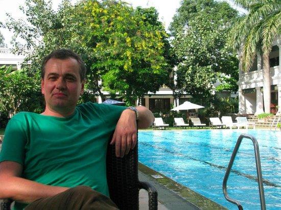 Jehan Numa Palace Hotel: Lovely pool area