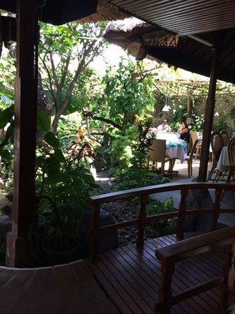 Poppies Restaurant: le jardin