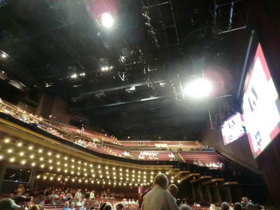 The Grand Ole Opry : inside