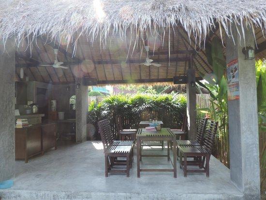 Mangrove Villa: Frühstücksterrasse