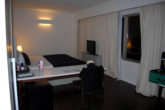 Dazzler Recoleta: Room