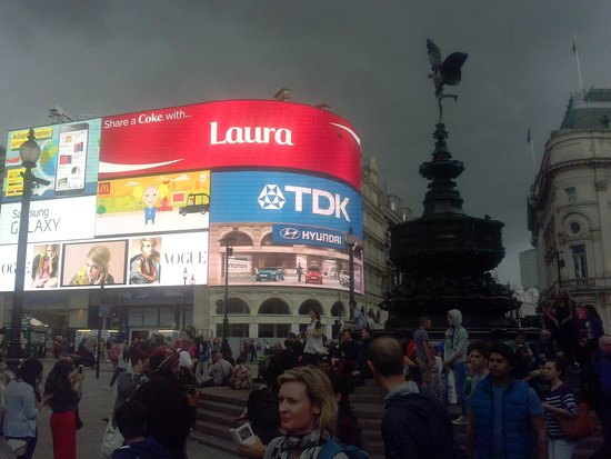 Piccadilly Circus : 11 agosto 2014 ore 14,30 Piccadilly- Londra