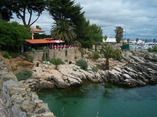 Cascais Marina : Restaurant with Marina in the background.