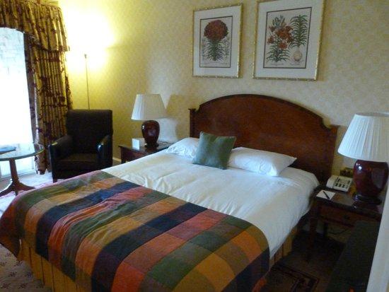 Celtic Manor Resort: Queen Bed