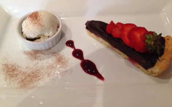 Bistro Bar Med: Chocolate and Raspberry Torte