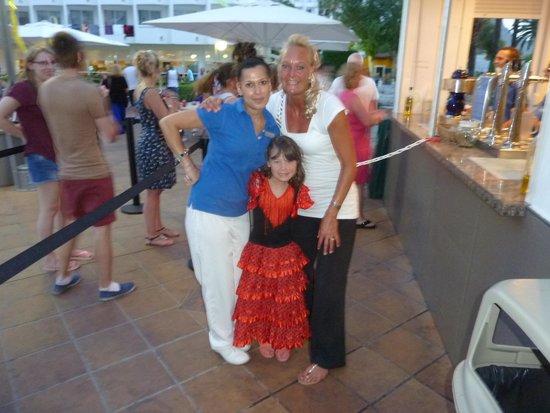 Club MAC Alcudia: best bar maid in Alcudia  beautiful lady