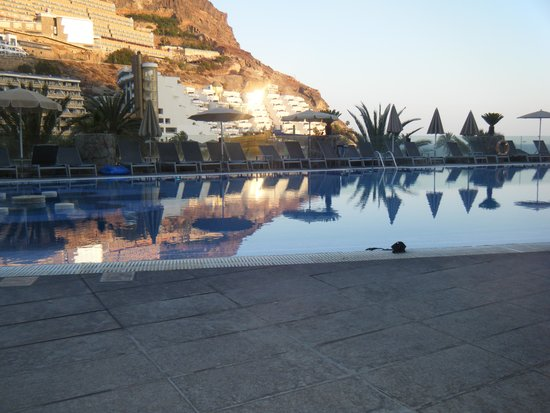 Paradise Valle Taurito : Pool in the evening