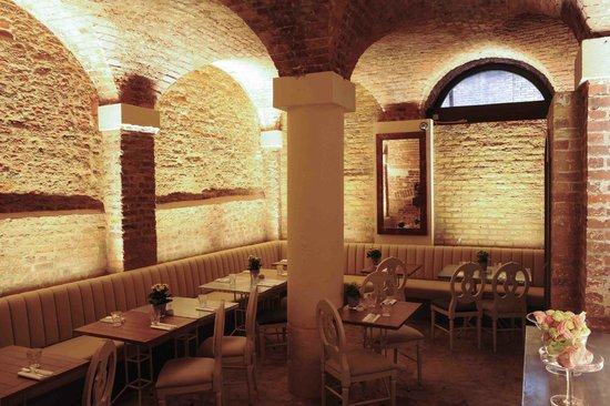 Private dining room mayfair picture of aubaine mayfair for Best private dining rooms mayfair
