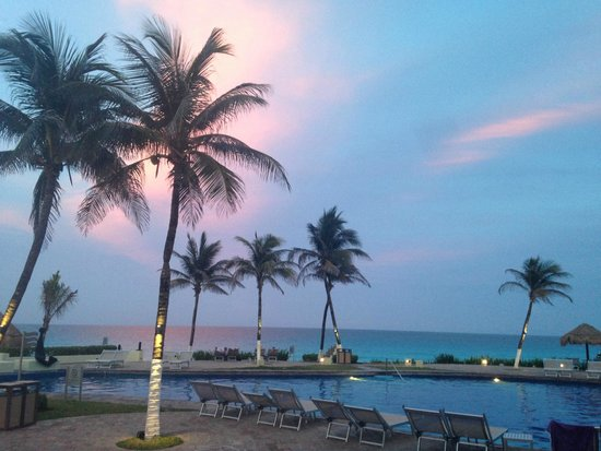 Paradisus Cancun: Sunset from Market Grill