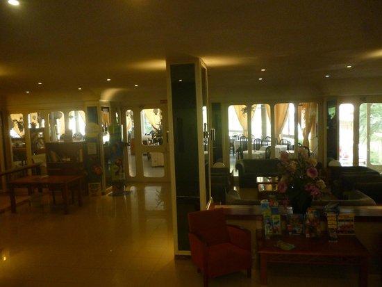 Hotel Pinero Tal : Salle à manger