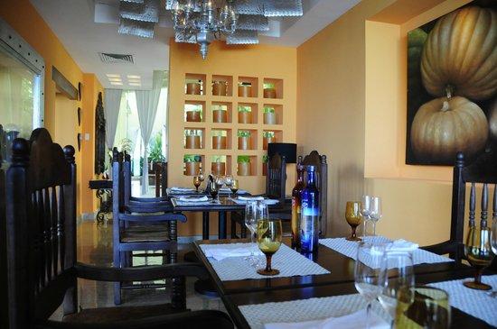 Paradisus Cancun: Tequila tasting restaurant Mole