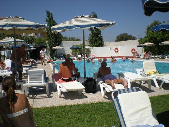 Lymberia Hotel: piscina